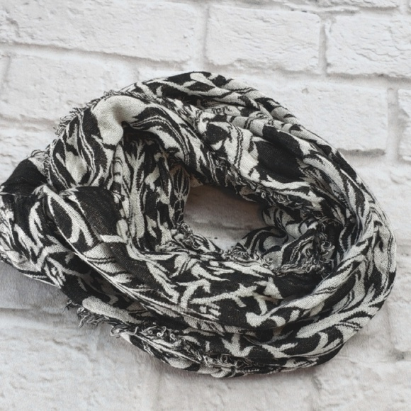7db8ad0a0 unbranded Accessories | Infinity Scarf Wrap Womens White Black ...